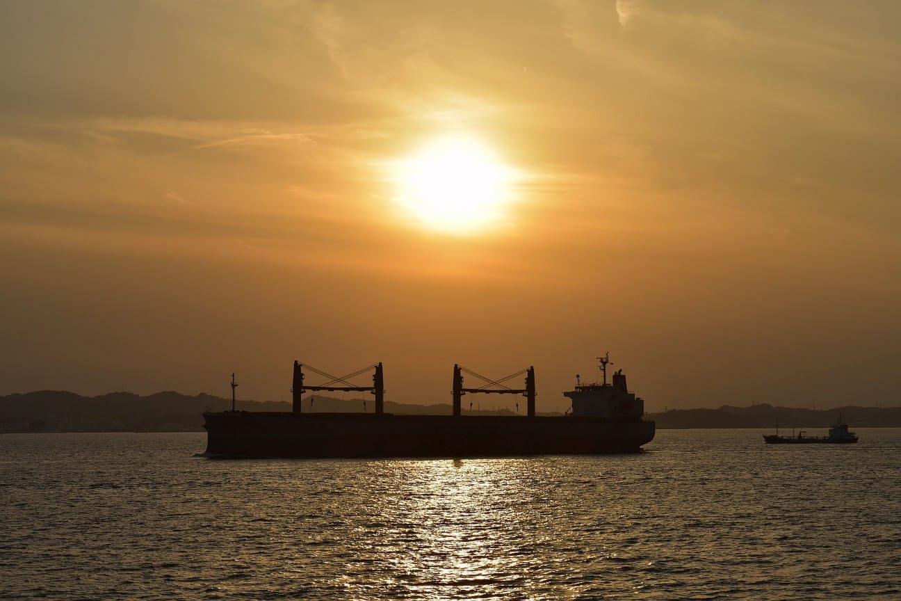 sunset-vessel
